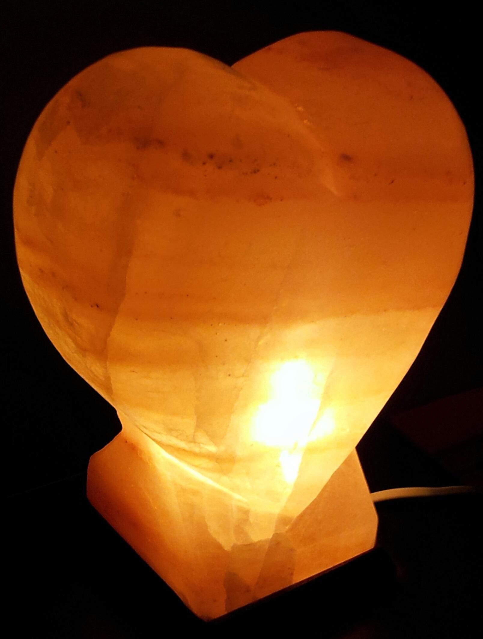 salzkristall lampe herz ca 4 5 kg ca 25 cm h he 4evo naturprodukte. Black Bedroom Furniture Sets. Home Design Ideas